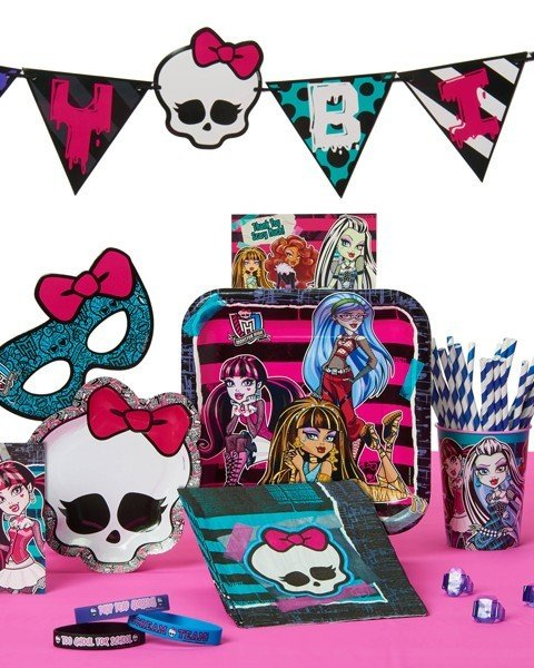 Petrecere Monster High